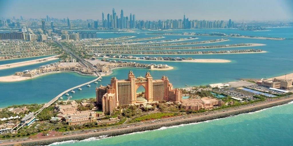 Aeriel view of Atlantis the Palm in Dubai